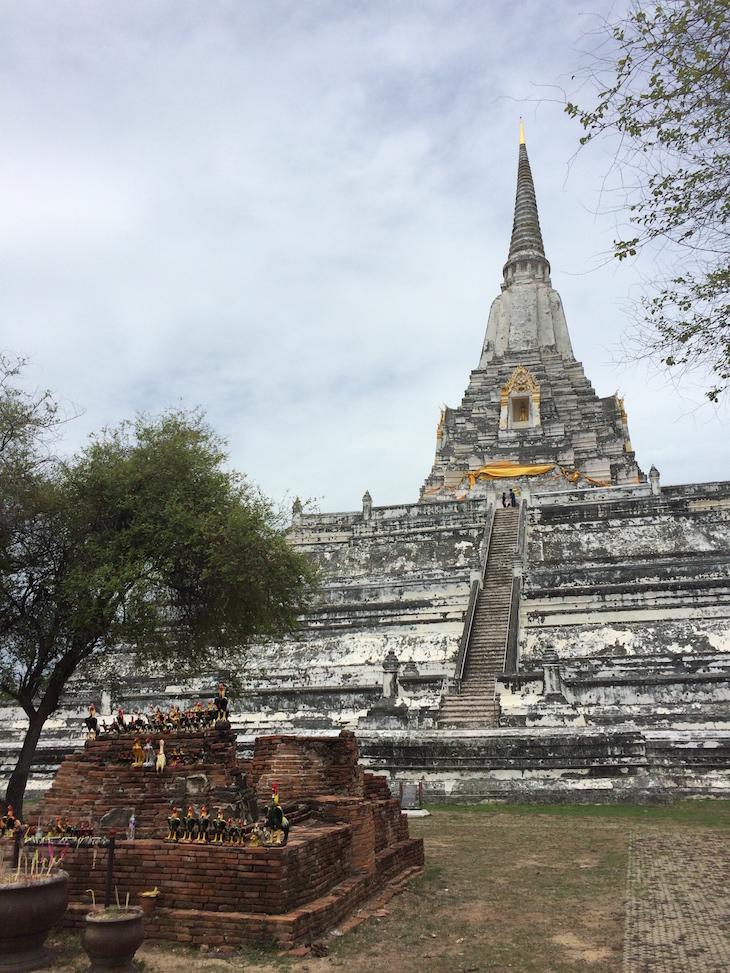 Wat Phu Khao Thong, Ayutthaya, Tailândia © Viaje Comigo