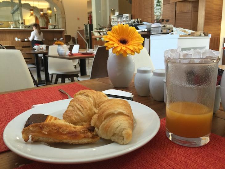 Pequeno-almoço no NH Collections Porto Batalha © Viaje Comigo