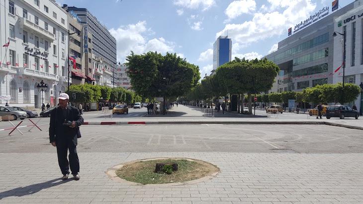 Avenida Habib Bourguiba, Tunes, Tunísia © Viaje Comigo