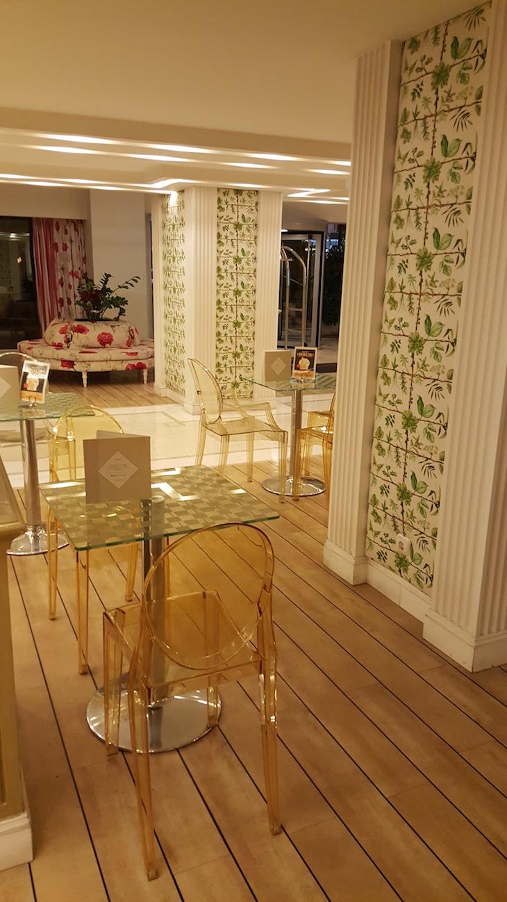 Bar do Airotel Stratos Vassilikos Hotel, Atenas, Grécia © Viaje Comigo