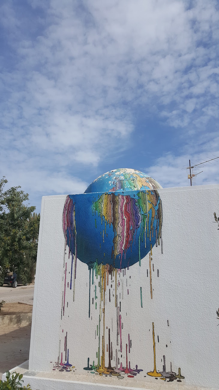 Artista: Brusk, Djerbahood, Erriadh, Djerba, Tunisia © Viaje Comigo