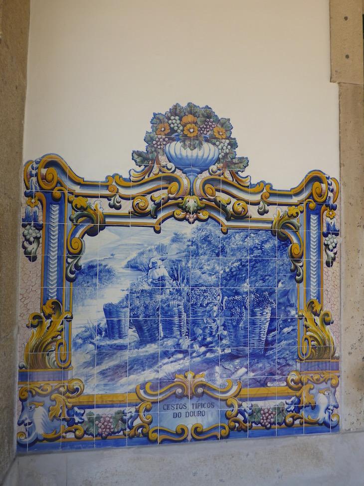 Cestos típicos do Douro - Azulejos na Estação do Pinhão © Viaje Comigo