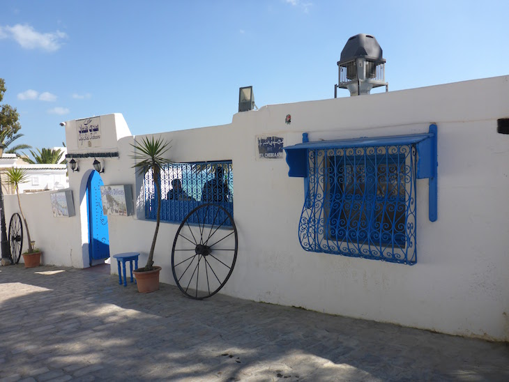 Entrada do Café des Délices, Sidi Bou Said, Tunísia © Viaje Comigo