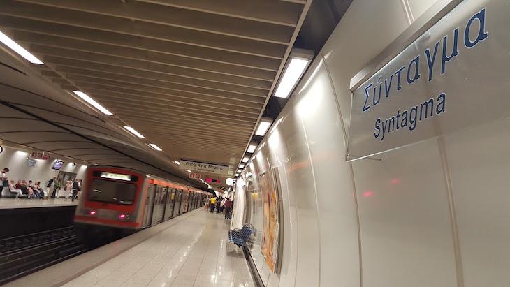 Estação Syntagma Metro de Atenas, Grécia © Viaje Comigo