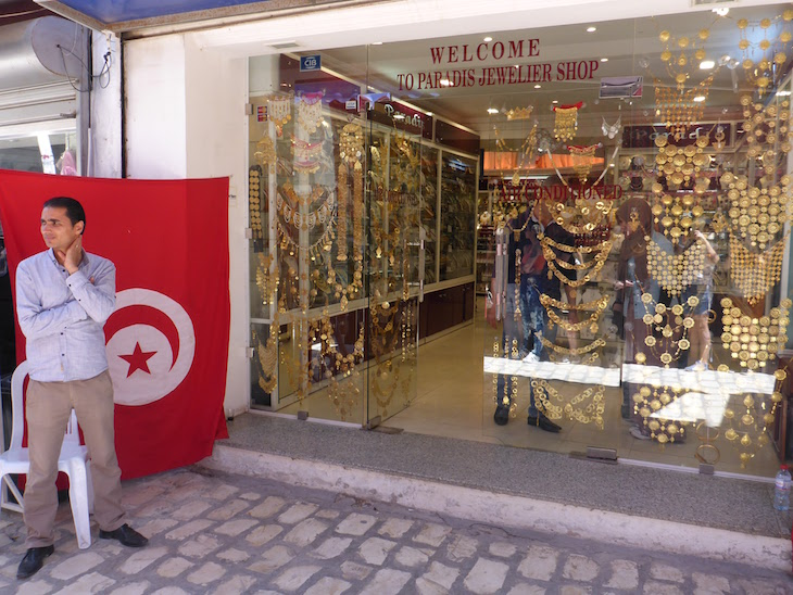 Jóias na Medina de Djerba, Tunísia © Viaje Comigo