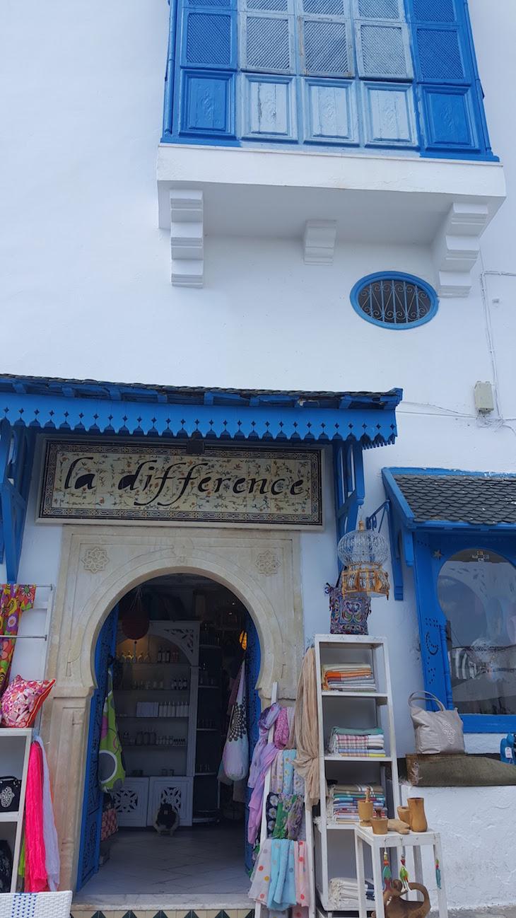 Lojas modernas em Sidi Bou Said, Tunísia © Viaje Comigo