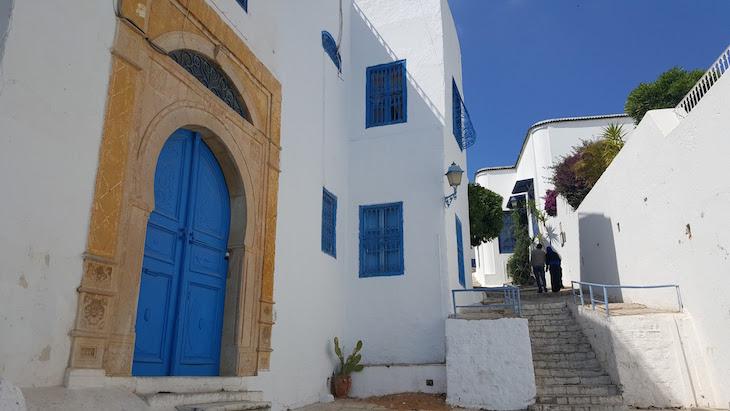 Pelas ruas de Sidi Bou Said, Tunísia © Viaje Comigo