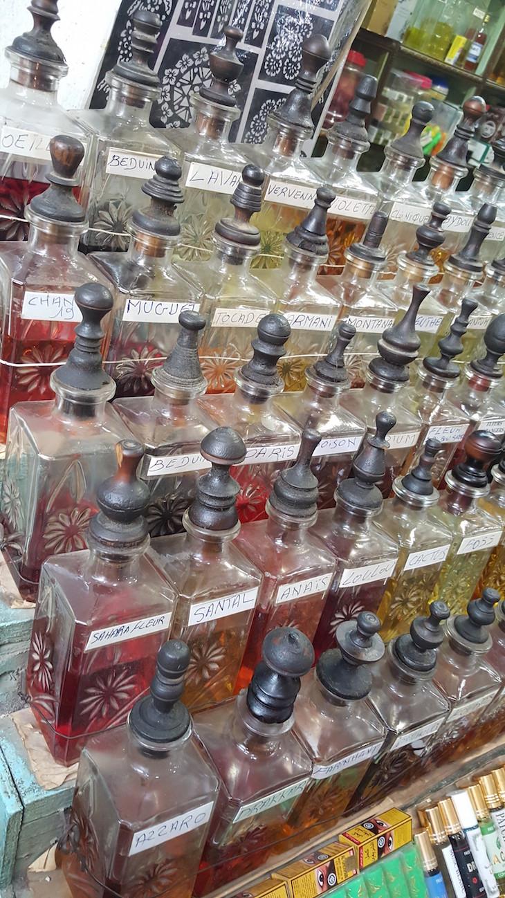 Perfumes na Medina de Tunes, Tunísia © Viaje Comigo