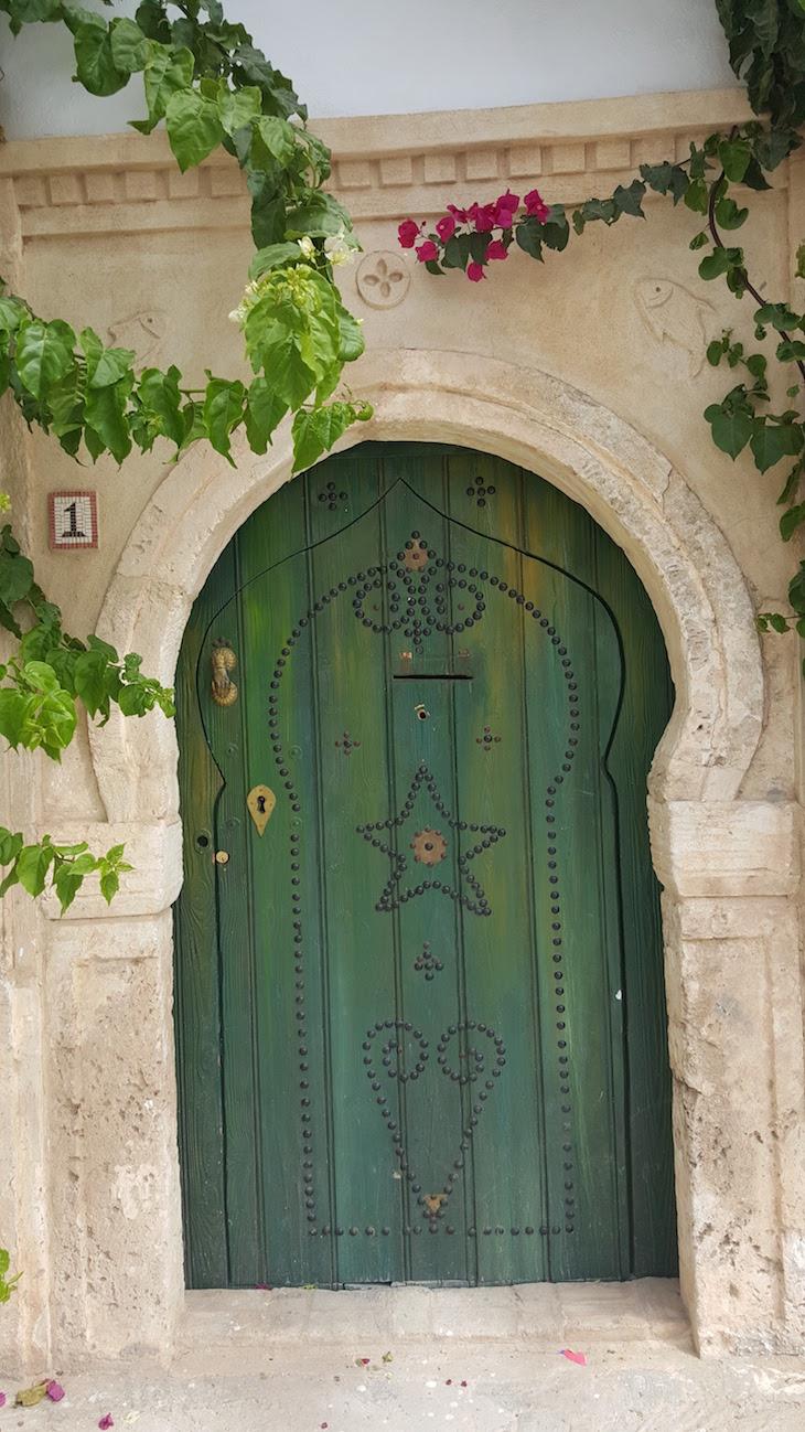 Pormenor de porta em Erriadh, Djerba, Tunisia © Viaje Comigo
