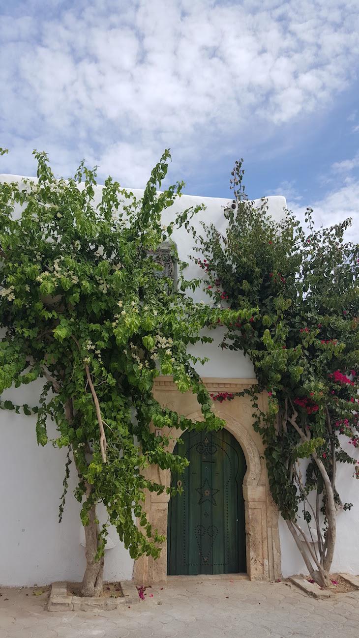 Porta verde de Erriadh, Djerba, Tunisia © Viaje Comigo