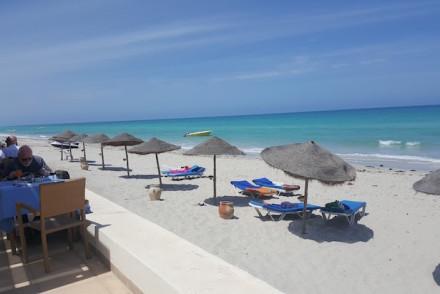 Praia no Sentido Djerba Beach Tunisia © Viaje Comigo