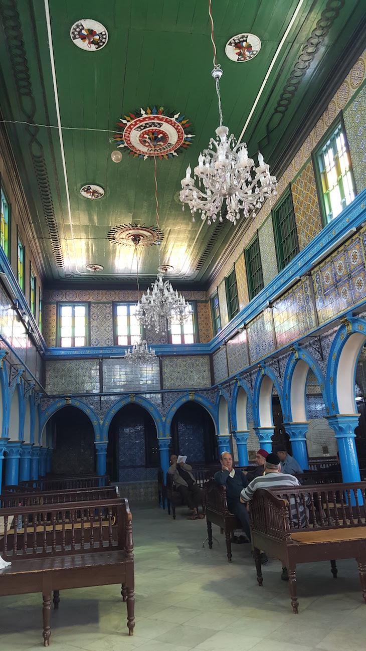 Sala da Sinagoga La Ghriba, Djerba, Tunísia © Viaje Comigo