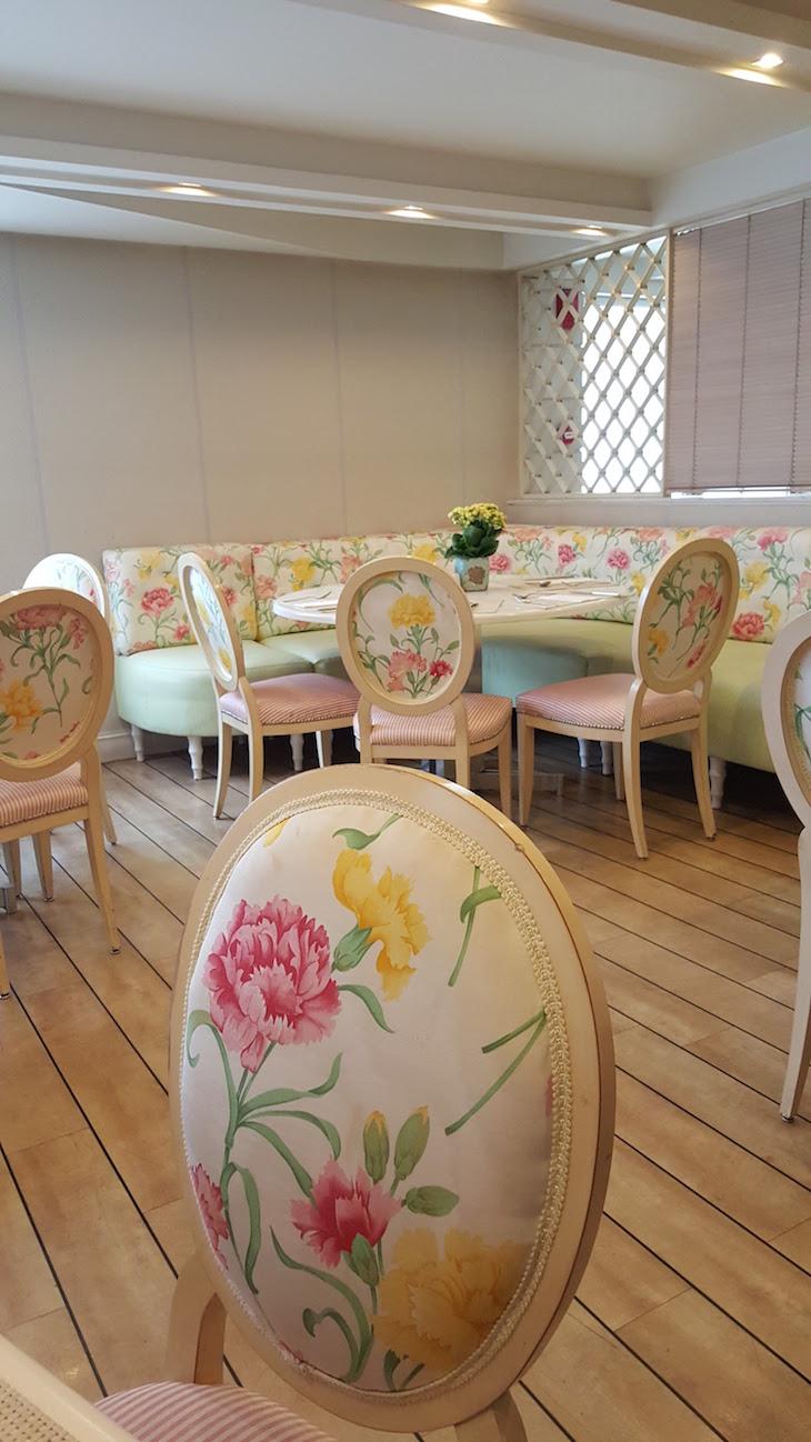 Sala do pequeno-almoço do Airotel Stratos Vassilikos Hotel, Atenas, Grécia © Viaje Comigo