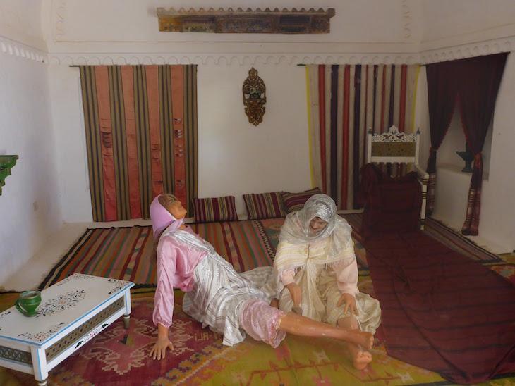 Noiva a fazer a depilação :D - Museu de Guellala, Djerba, Tunísia © Viaje Comigo