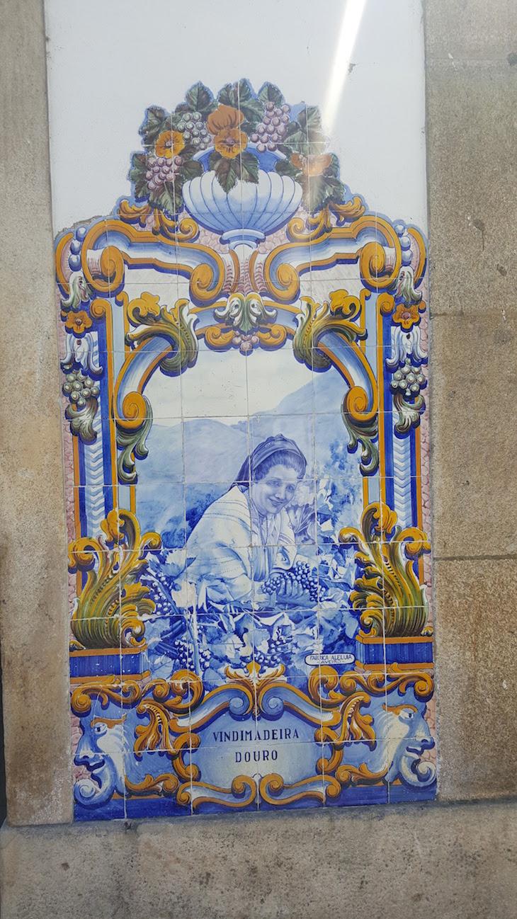 Vindimadeira - Azulejos na Estação do Pinhão © Viaje Comigo