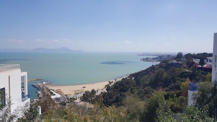 Vista sobre o Golfo de Tunes em Sidi Bou Said Tunisia © Viaje Comigo