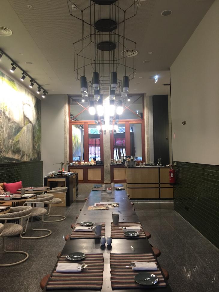 Sala de pequenos-almoços do The House Ribeira Hotel © Viaje Comigo