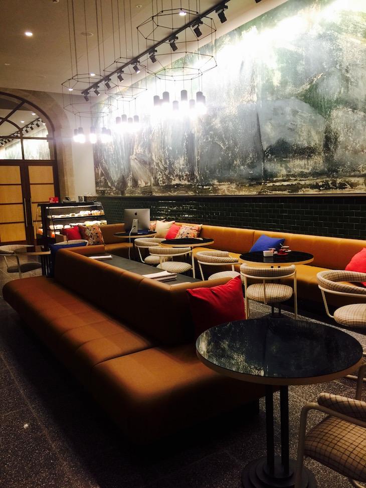 Receção do The House Ribeira Hotel © Viaje Comigo