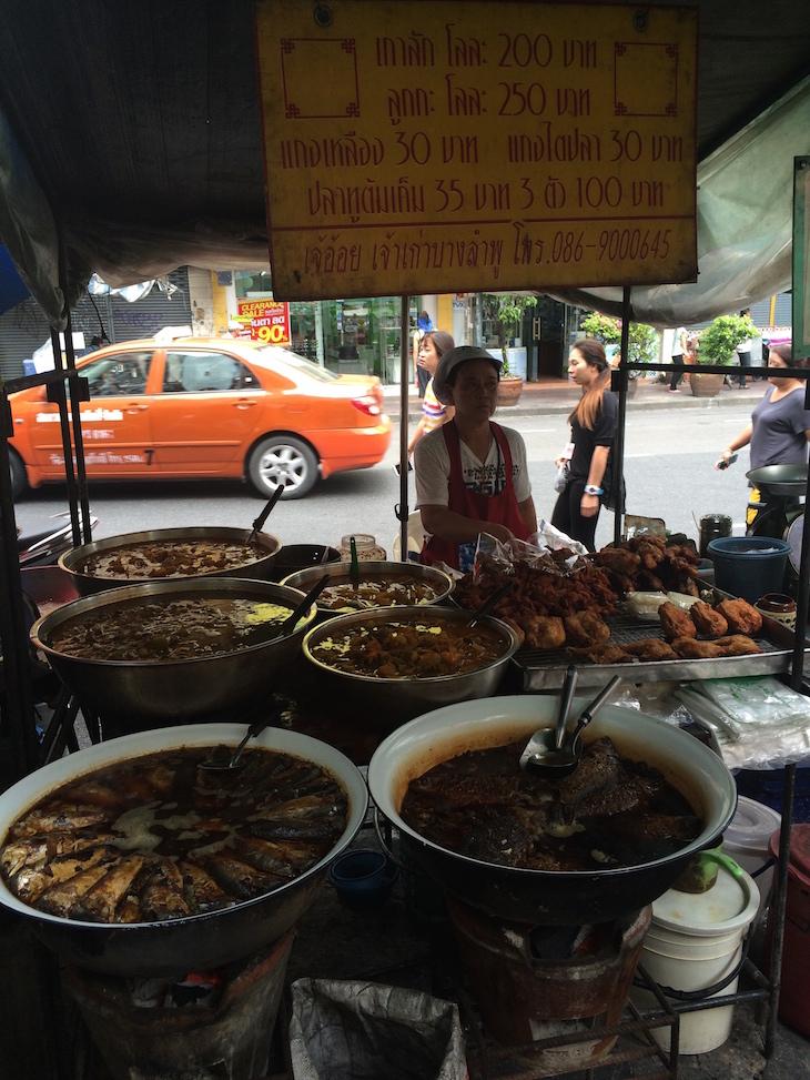 Barraca de rua em Banguecoque, Tailândia © Viaje Comigo