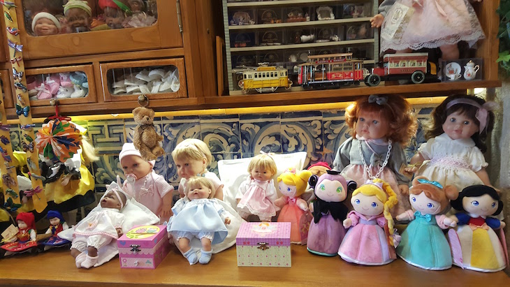 Bonecas da Loja do Hospital de Bonecas, em Lisboa © Viaje Comigo