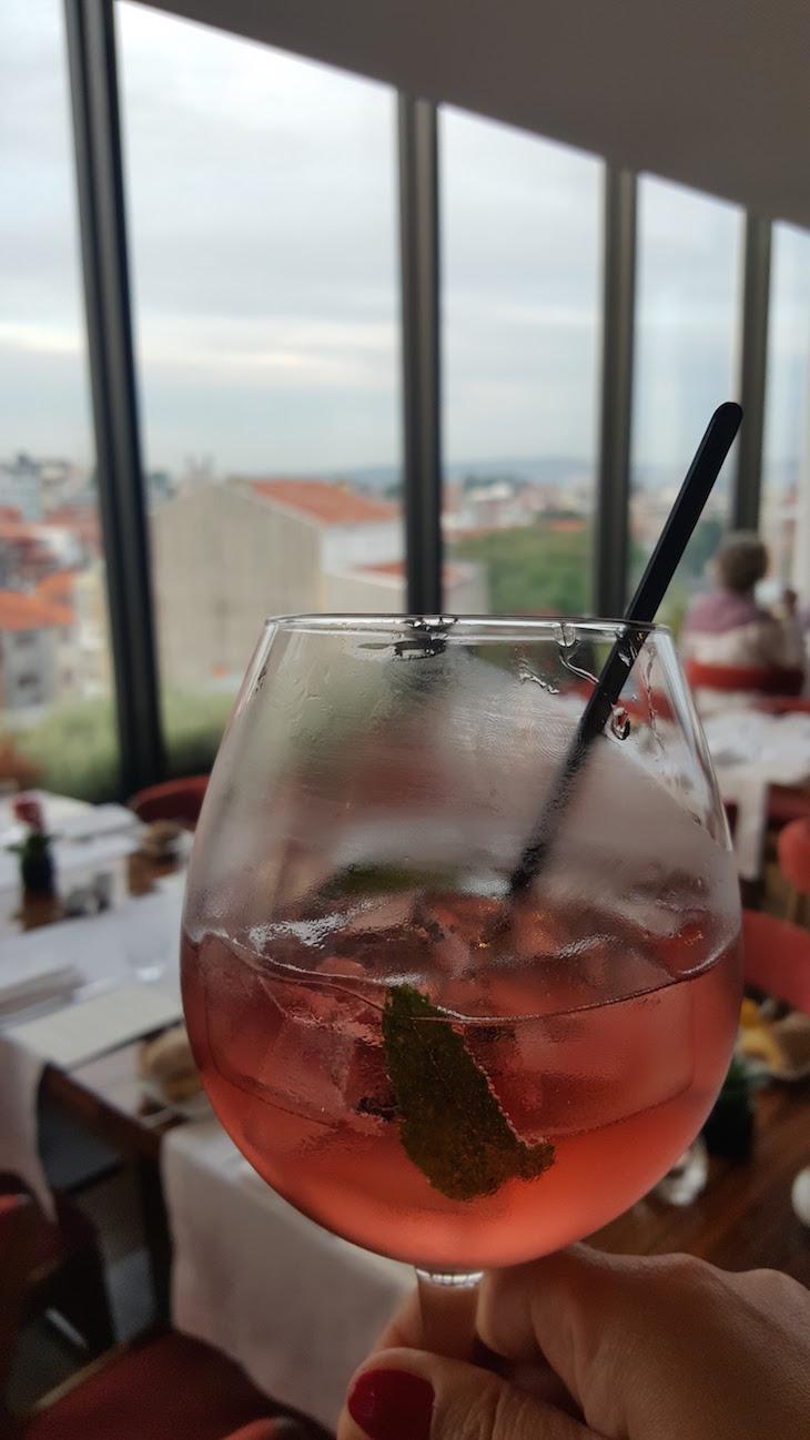 Cocktail no Portobello Rooftop Restaurant & Bar © Viaje Comigo