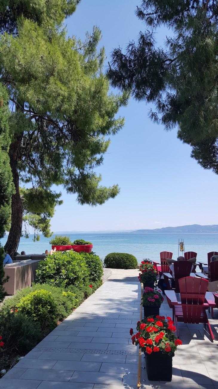 Esplanada do Club Med Gregolimano, Grécia © Viaje Comigo