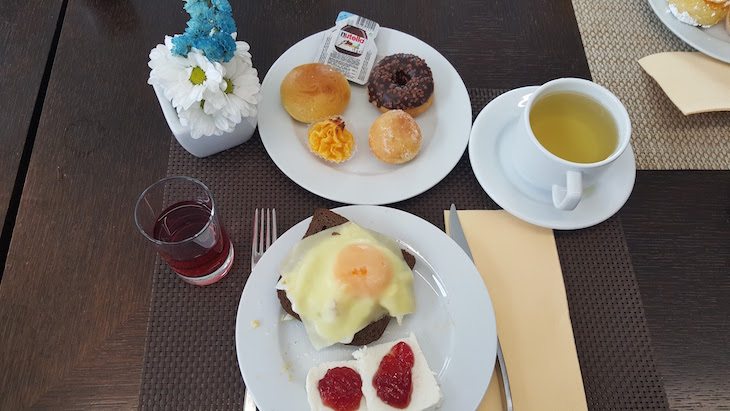 Pequeno-almoço no Meliá Ria Hotel & Spa, Aveiro © Viaje Comigo