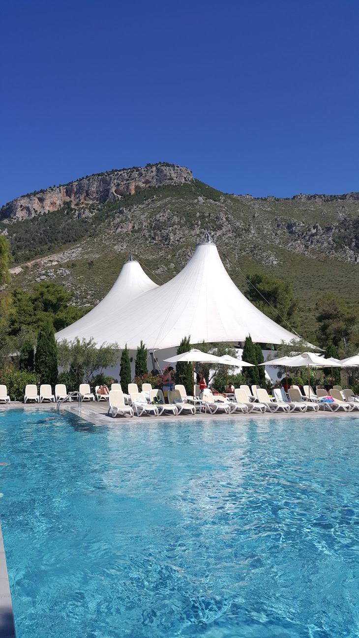 Piscina Club Med Gregolimano - Grécia © Viaje Comigo