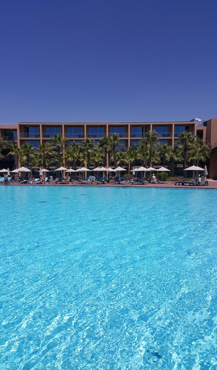 Piscina exterior grande - Vidamar Resort Algarve © Viaje Comigo