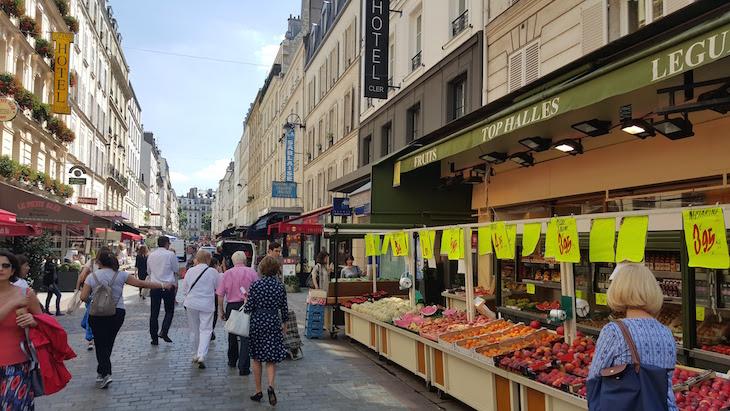 Frutas na Rua Cler, Paris © Viaje Comigo