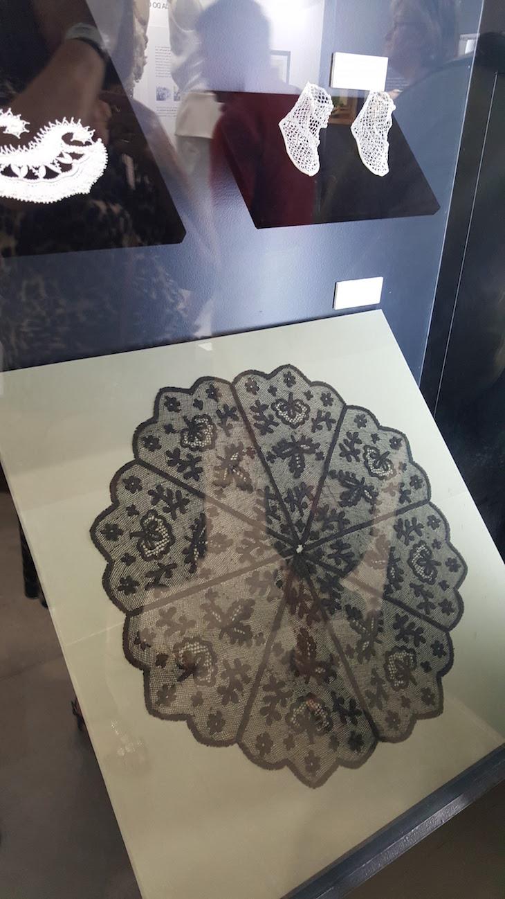 Peças antigas - Museu Renda de Bilros de Peniche © Viaje Comigo