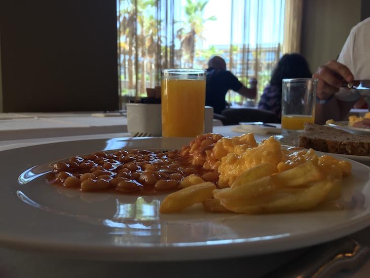 Pequeno-almoço no Salgados Palace © Viaje Comigo