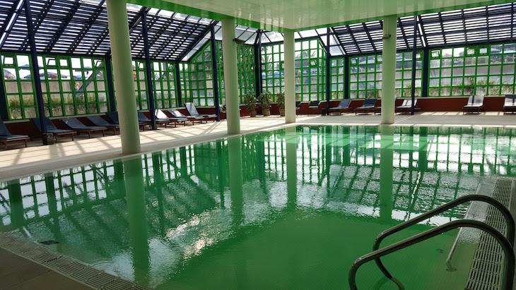 Piscina interior do Hotel Solverde © Viaje Comigo