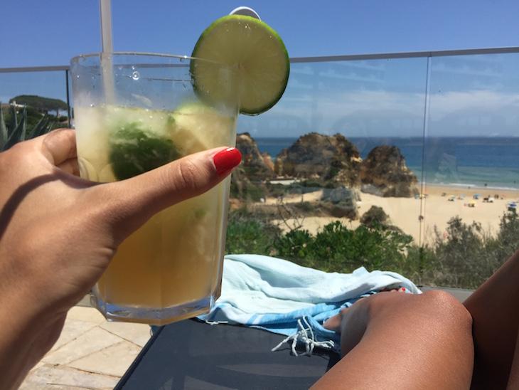 Vista da piscina, no Hotel Pestana Alvor Praia © Viaje Comigo