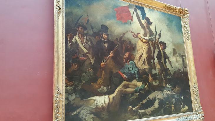 """""""A Liberdade Guiando o Povo"""" - Museu do Louvre, Paris © Viaje Comigo"""