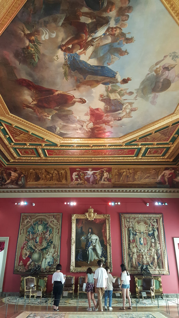 Tetos no Museu do Louvre, Paris © Viaje Comigo