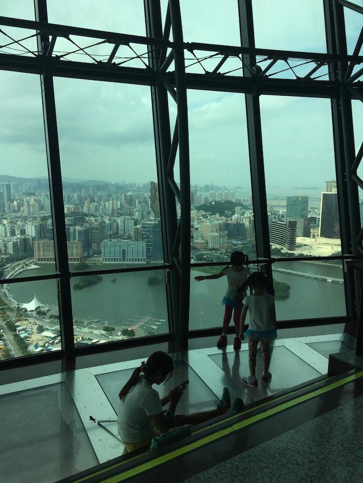 Chão em vidro - Vista da Torre de Macau © Viaje Comigo