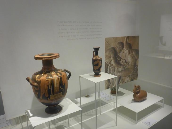 Peças da Grécia Antiga no Museu da Farmácia © Viaje Comigo