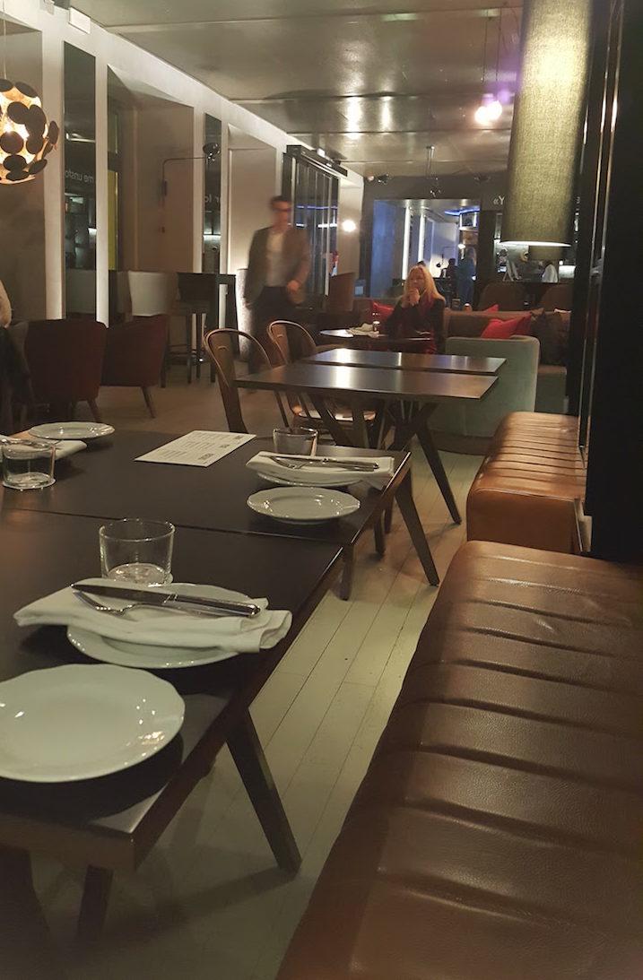 Sala do CR7 Corner Bar Bistro © Viaje Comigo