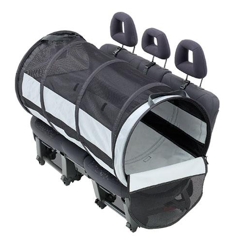 Caixa de transporte dobrável para o banco do carro Pet Tube - © DR