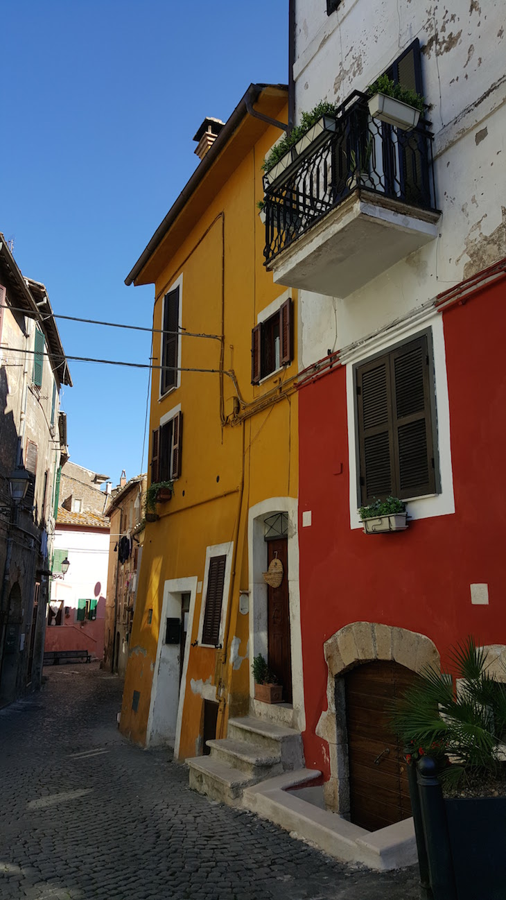 Casas de Civita Castellana - Italia © Viaje Comigo
