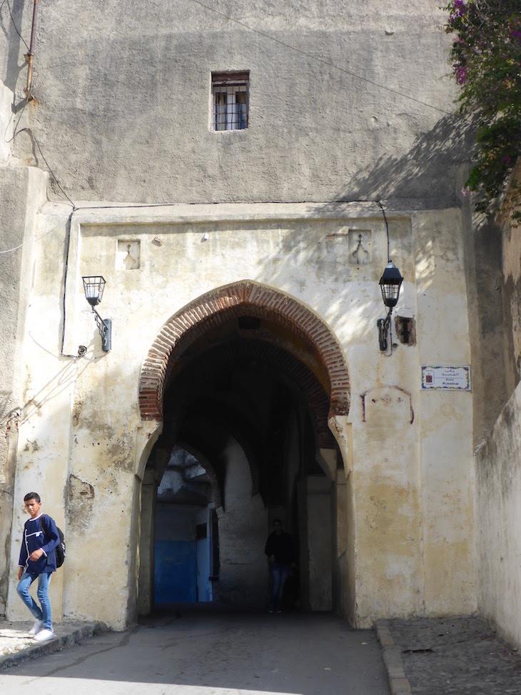 Entrada na Medina de Tânger - Marrocos © Viaje Comigo