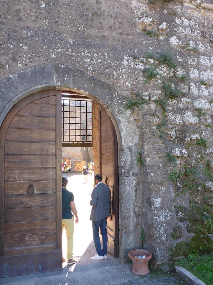 Entrada no Castelo Borgia - Nepi - Itália © Viaje Comigo
