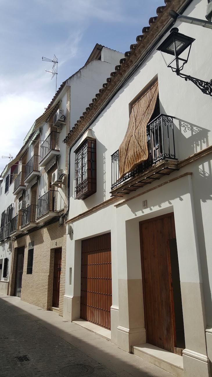 Esteiras tradicionais nas janelas de Écija - Andaluzia © Viaje Comigo