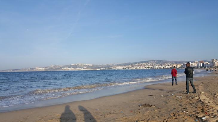Nas praias de Tânger - Marrocos © Viaje Comigo
