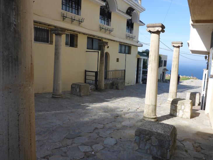 Colunas romanas em Tânger - Marrocos © Viaje Comigo
