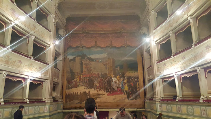 Teatro Sociale em Amelia - Itália © Viaje Comigo