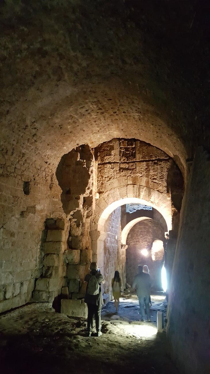 Túnel para saída nas traseiras do Castelo Borgia - Nepi - Itália © Viaje Comigo