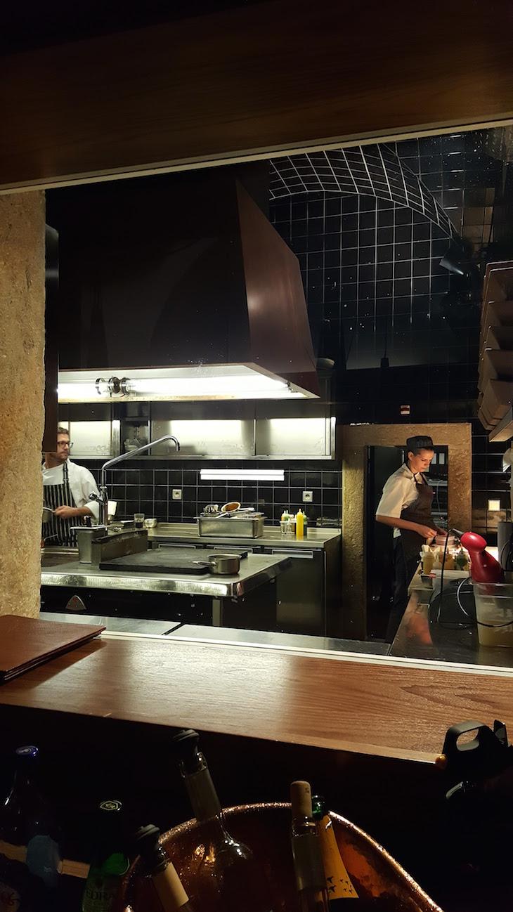 Cozinha do Restaurante Alma © Viaje Comigo