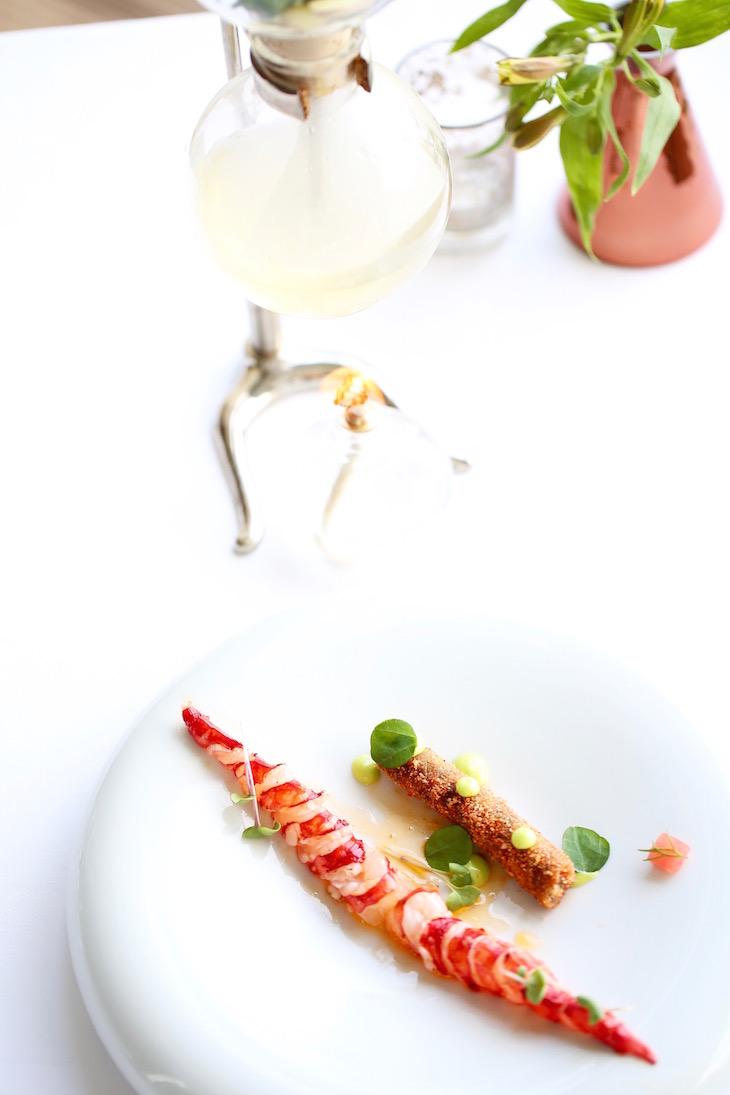 Carabineiro com migas à nossa maneira e consommé aromatizado com gengibre - Restaurante Eleven©